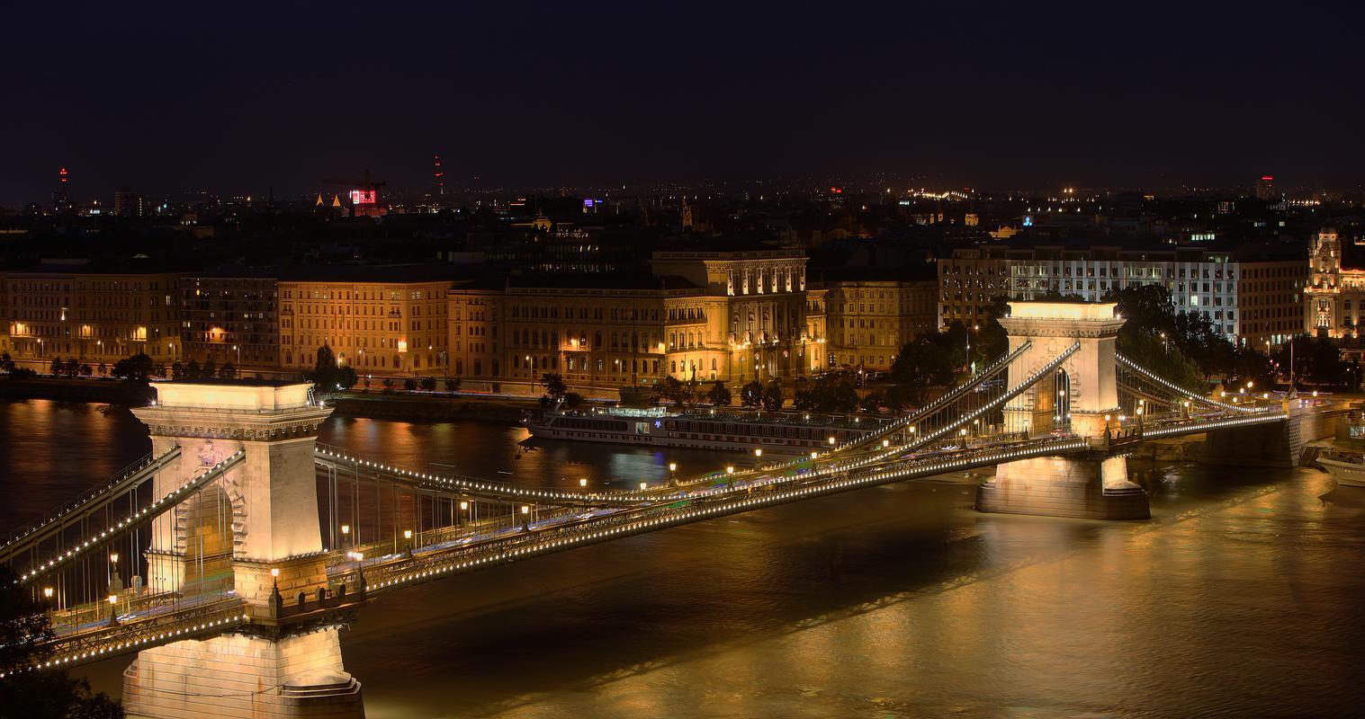 Budapest_Kettenbrücke_HDR2-H-HP 1920x1080